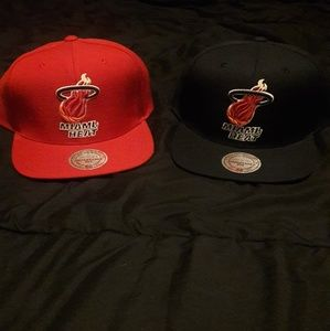 2 BRAND NEW MITCHELL AND NESS MIAMI HEAT HATS